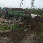 Bilde av traktor som fjerner jord og masse - Kent Gravern - Graving Sarpsborg